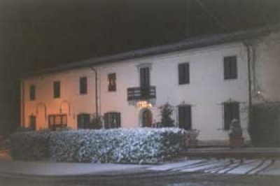Restaurant and Hotel for Rent in the Tuscan countryside near Florence